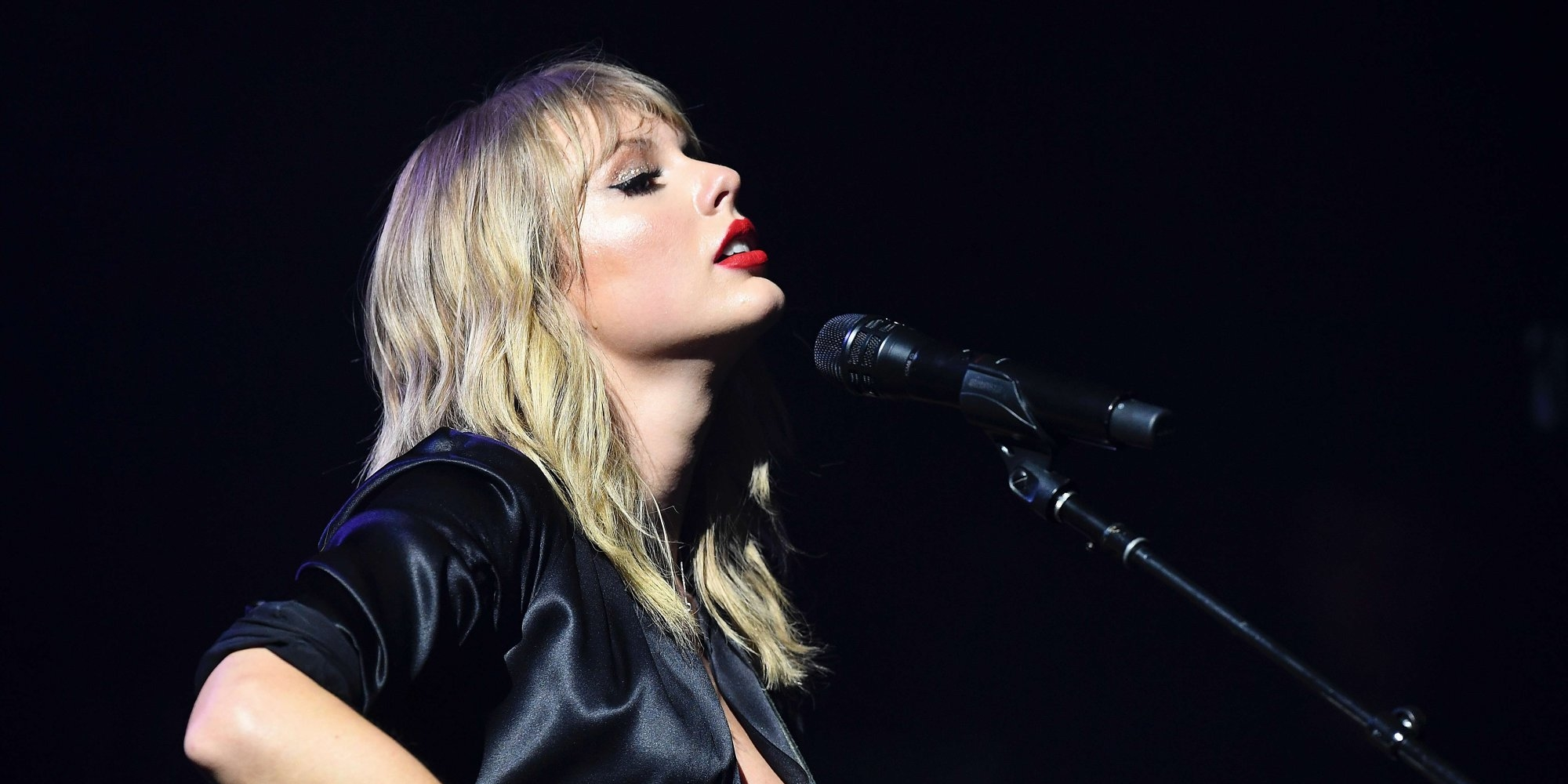 taylor swift city of lover concert paris olympia