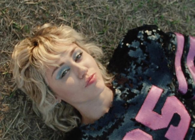 miley cyrus clip angels like you plastic hearts
