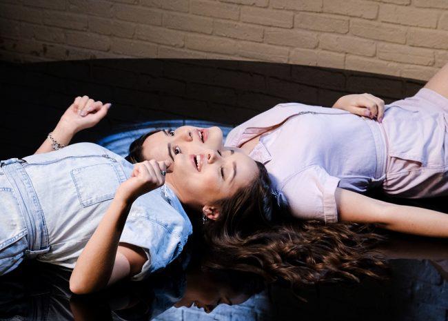 eyma & andy clip petite sœur reprise laam association les amis du bercail