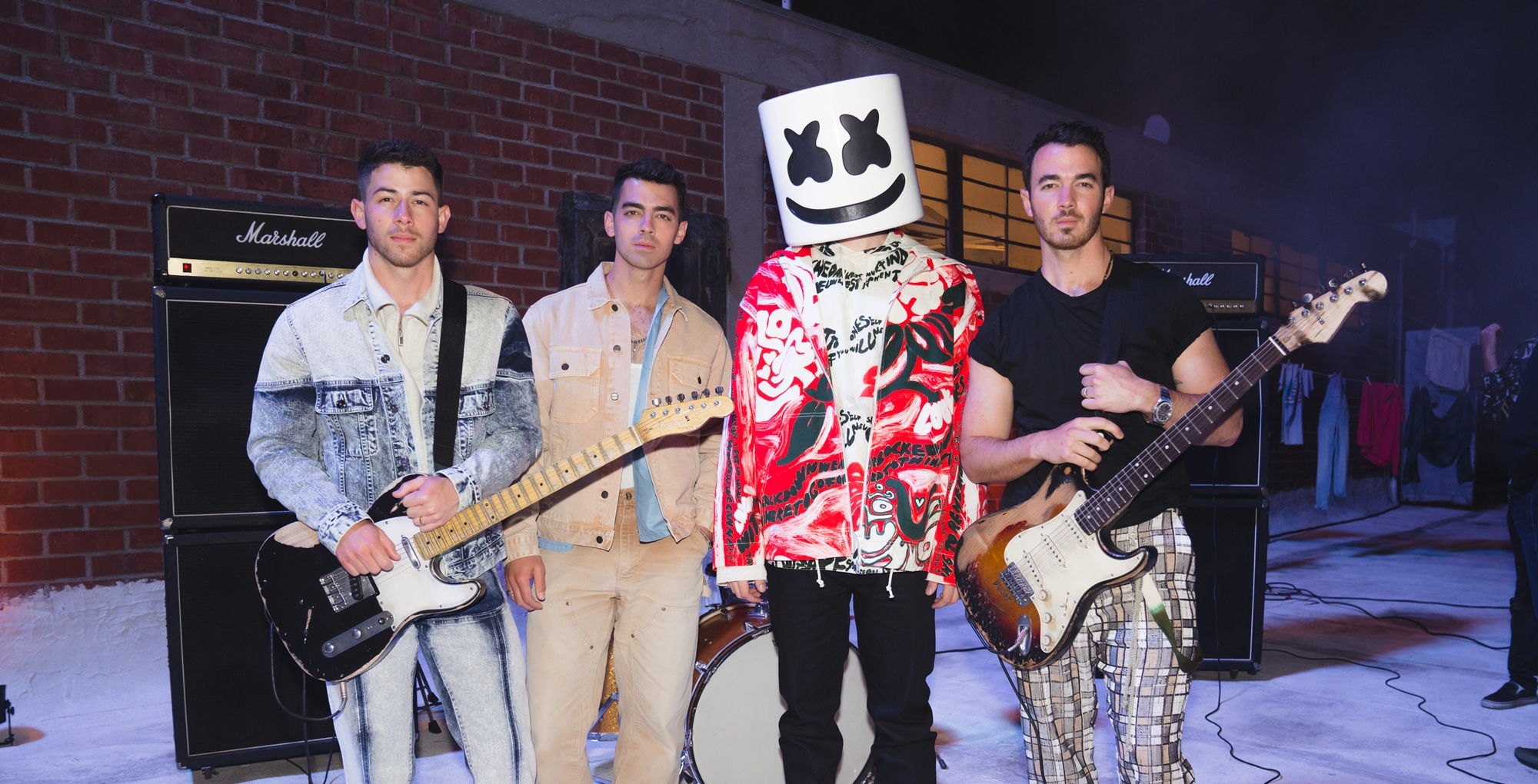 marshmello jonas brothers clip leave before you love me