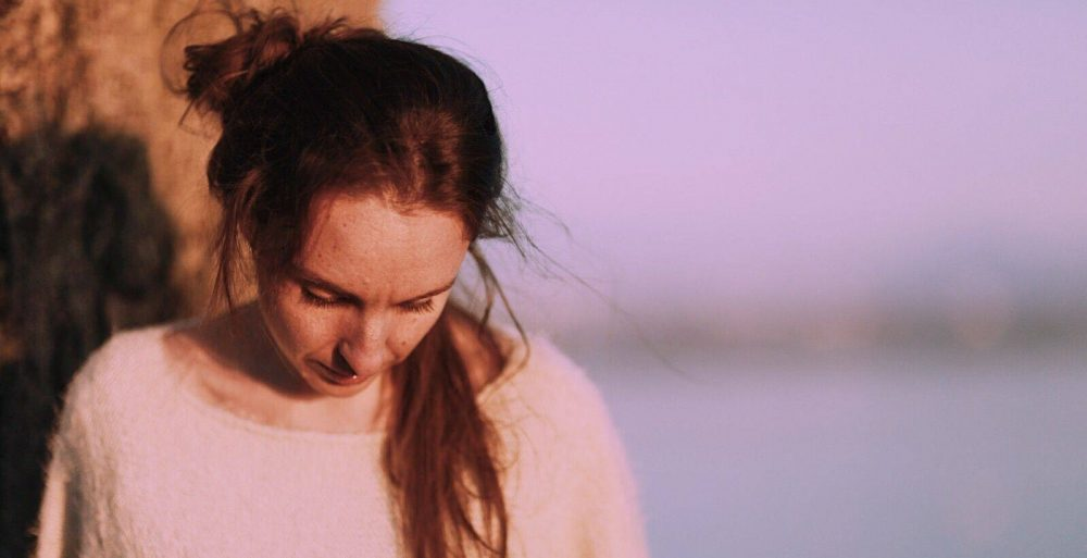 marian crole clip golden leaves